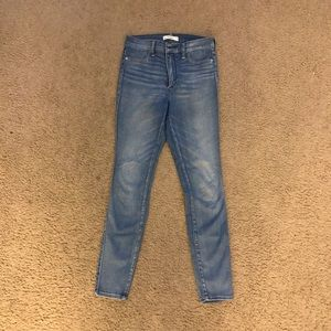 Abercrombie size 2S high waisted skinny jeans
